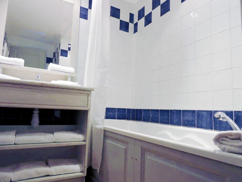 Chambre d'hôtel à La Ciotat Victoria Garden - Salle de bain Appartement 2 Chambres