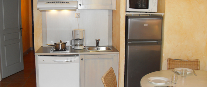 Studio supérieur Victoria Garden Appart hôtel La Ciotat - kitchenette