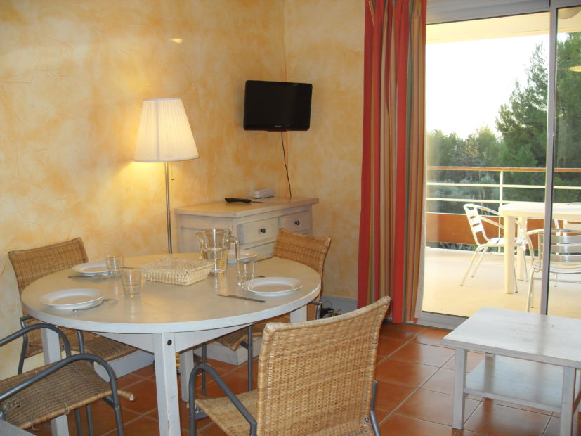 Studio supérieur Victoria Garden Appart hôtel La Ciotat - salle à manger