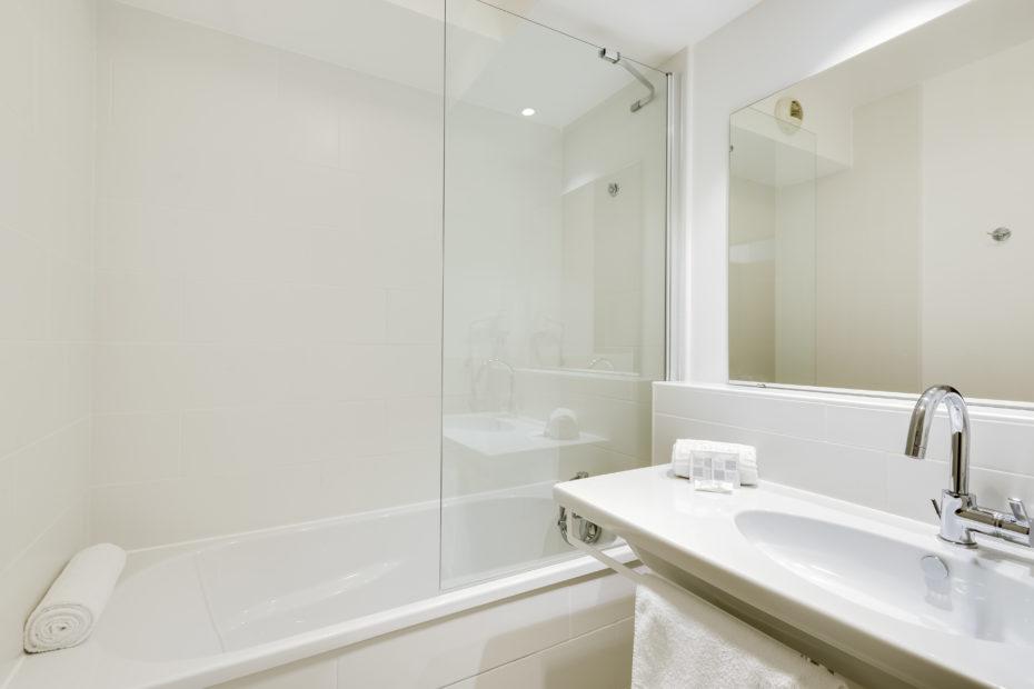 Appart'hôtel à Pau - Salle de bain Studio Supérieur lit jumeaux Victoria Garden