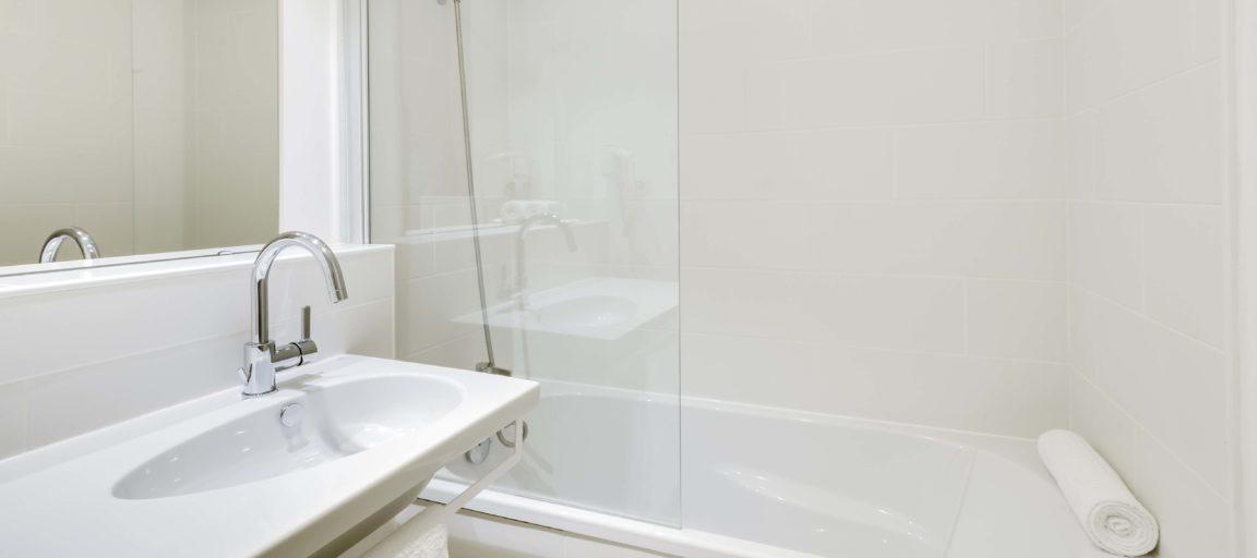 Appart hôtel Suite Junior Pau Victoria Garden - Salle de bain
